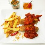 Vegetarische Currywurst mit belgischen Pommes frites