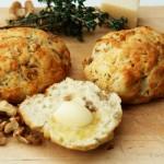 Walnuss-Käse-Brötchen