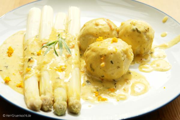 Spargel mit Estragon-Orangen-Sauce und kleinen Kartoffelklößen