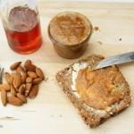 Vegane Karamellcrème Lotti – mit gebrannten Mandeln