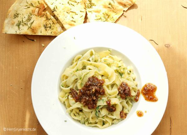 Basilikum Fettucine