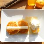 Schwarzwurzeln auf Kartoffelpuffer mit Meerrettichschlagsahne und Mandarinensirup