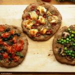 Drei Vollkorn-Mini-Pizzen