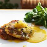 Gemüserösti mit Orangen-Pfeffer-Sauce und Feldsalat
