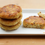 Bulgur-Schnittlauch-Frikadellen mit selbst gemachter Dill-Butter und Dänischem Gurkensalat