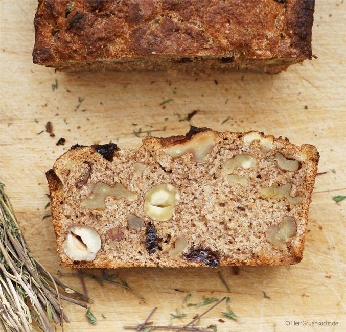 Nuss-Kräuter-Brot