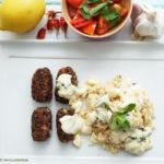 Orientalische Rolls mit Couscous, pikanter Orient-Sauce und Minz-Tomaten-Salat