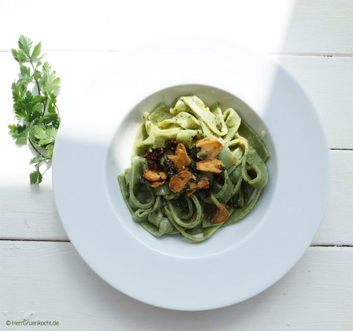 vegetarische Tagliatelle Boschetto