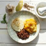 Gegrillter Fenchel mit Mango-Bananen-Chutney und Linsen