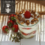 Erdbeer-Kardamom-Tiramisu mit selbst gemachtem Kardamom-Mandelkrokant