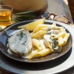 Vegane Saltimbocca in Portweinsauce mit Penne Rigate