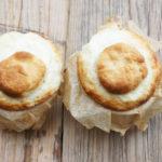 Herr Grüns Pitous – mit Pudding gefüllt, in der Tasse gebacken und ganz ohne Ei