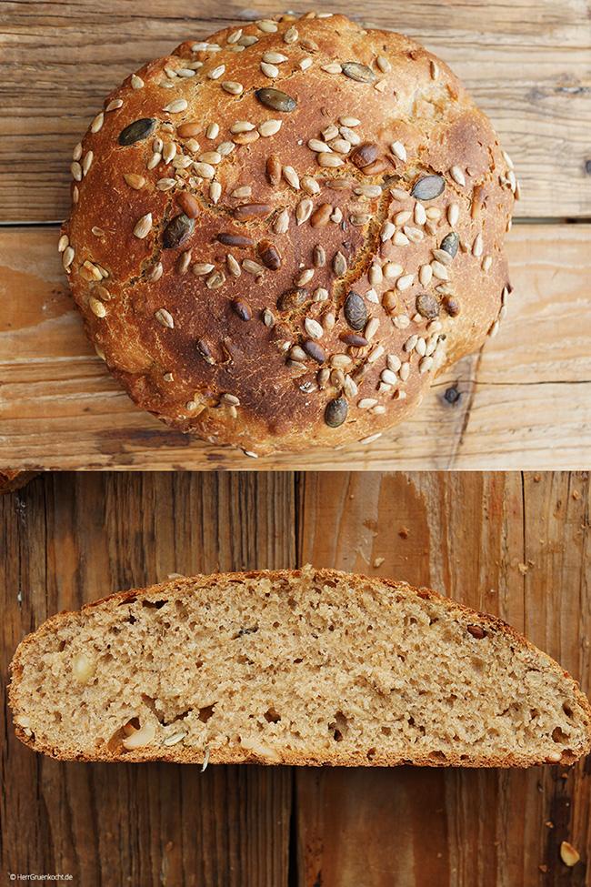 Estereller Dinkelvollkornbrot mit selbst gemachtem Brotgewürz
