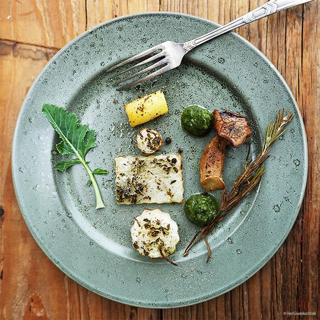 Gemüseensemble Sandrine mit Kohlrabiblatt-Walnuss-Pesto und Estragon-Öl