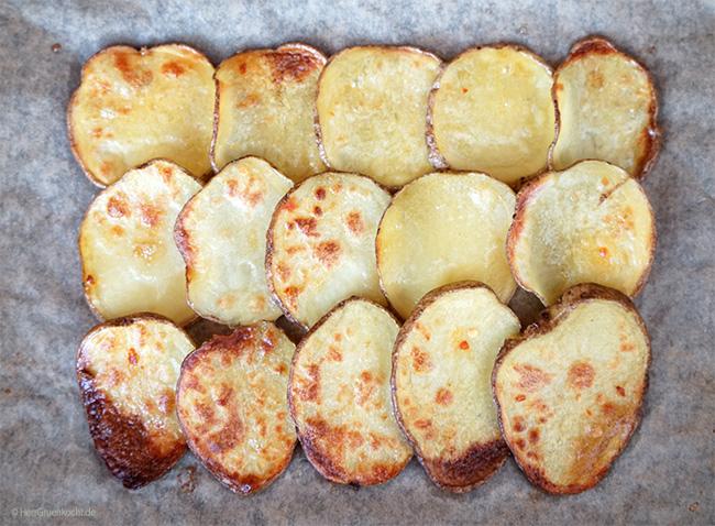 Im Backofen geröstete Kartoffelscheiben