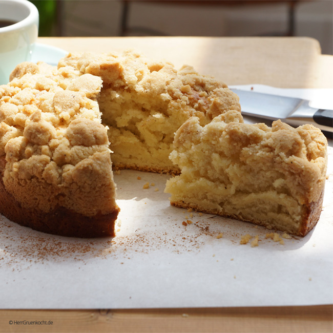 German Crumble Cake without yeast dough