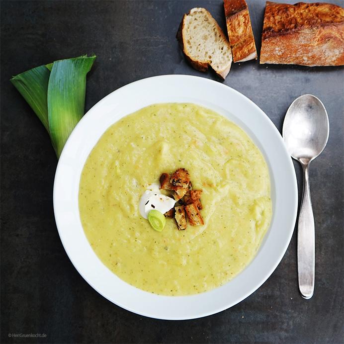Kartoffel-Lauch-Suppe mit Grauburgunder und Estragon-Croutons