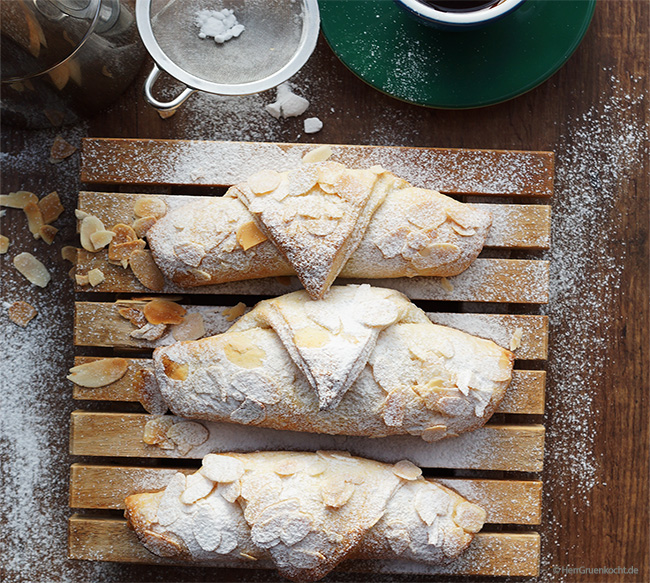 Croissants with marzipan filling - quick and easy to bake yourself
