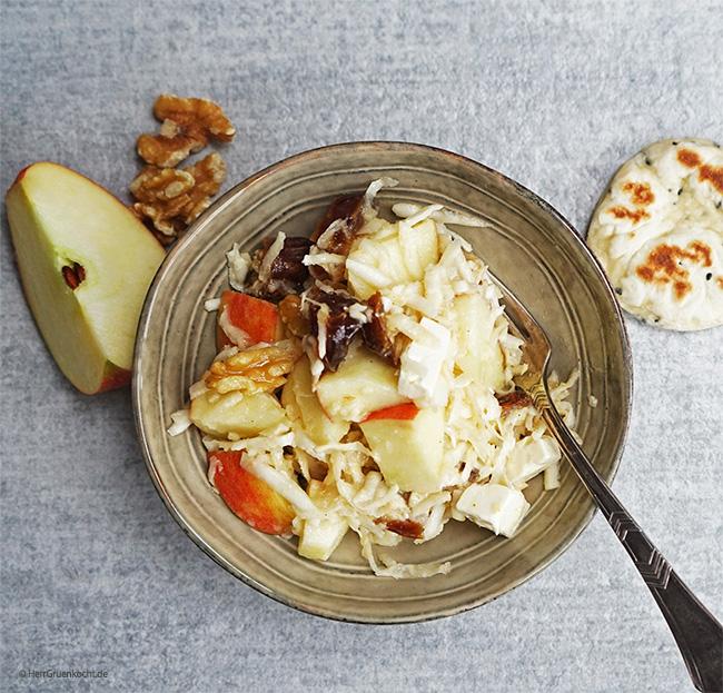Sellerie-Apfel-Salat mit Schwarzkümmel-Küchlein