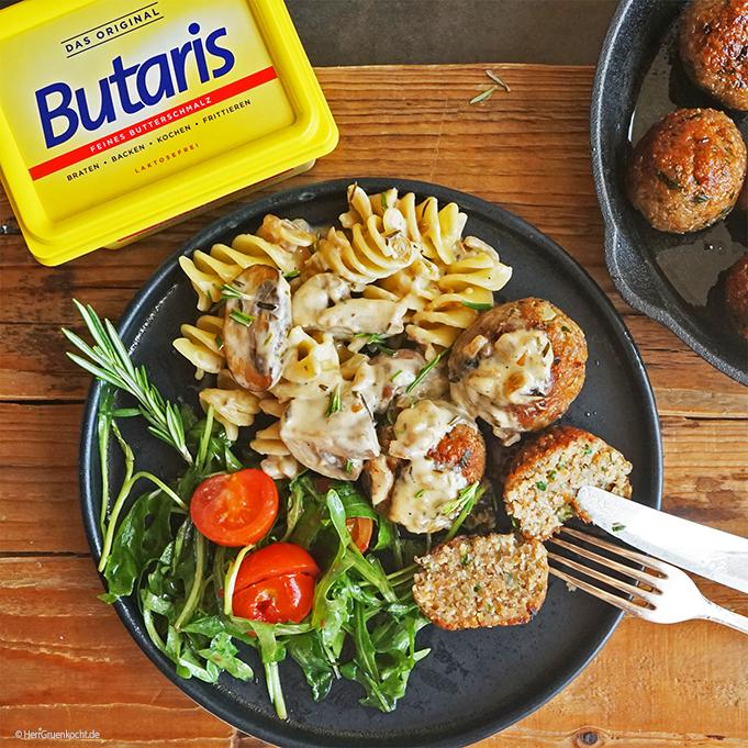 BUTARIS - Vegetarische Frikadellen mit Luigioni, Pilzrahmsauce und Rucola-Salat