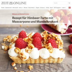 Himbeer-Tarte mit Mascarpone-Sahne-Creme, Tonkabohne und selbst gemachtem Mandelkrokant