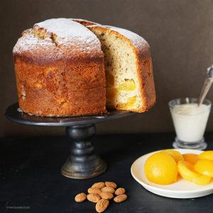 Joghurt-Aprikosenkuchen mit gemahlenen Mandeln - mit MANI Olivenöl gebacken