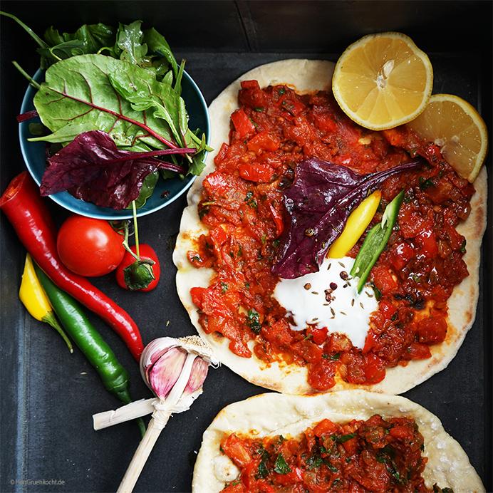 vegane türkische Pizza aus der Pfanne – einfach